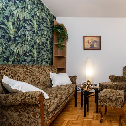 Rent this 4 bed room on Stefana Okrzei 34 in 03-710 Warsaw, Poland