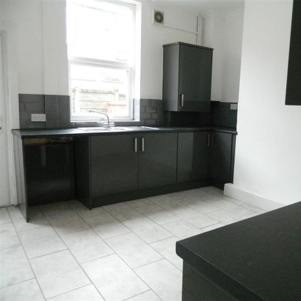 Rent this 2 bed house on Reddish Road in Stockport, United Kingdom