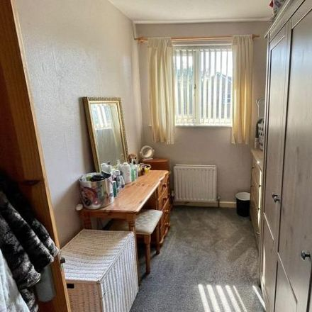 Rent this 2 bed house on 24 Sycamore Copse in Wakefield, WF2 8DG