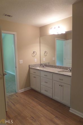 Rent this 3 bed townhouse on Gary Circle in Saint Marys, GA 31558