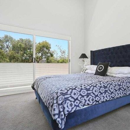 Rent this 5 bed house on 4 Hayden Place