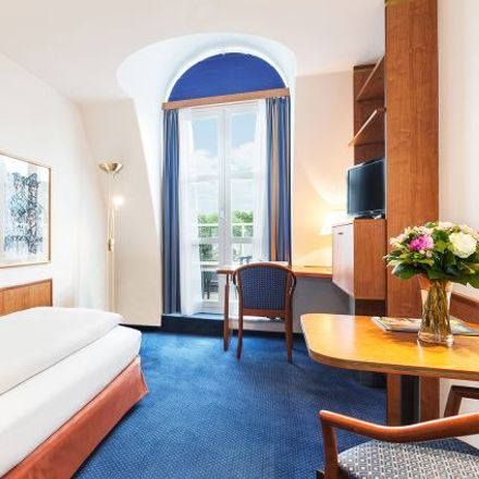 Rent this 1 bed apartment on Sieveringer Straße 4 in 1190 Vienna, Austria