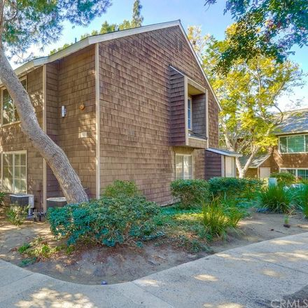 Rent this 1 bed condo on 12555 Euclid Street in Garden Grove, CA 92840