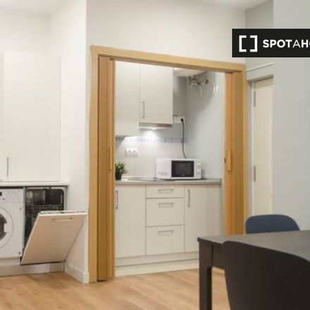 Rent this 2 bed apartment on Taberna inglesa in Calle Eusebio Blasco, 28001 Madrid