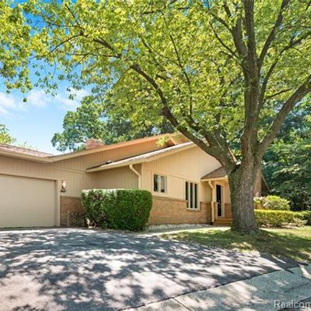 Rent this 3 bed condo on 3657 Pheasant Run in Bloomfield Hills, MI