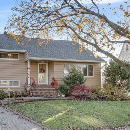 Rent this 4 bed house on Beverly Rd in Bloomfield, NJ