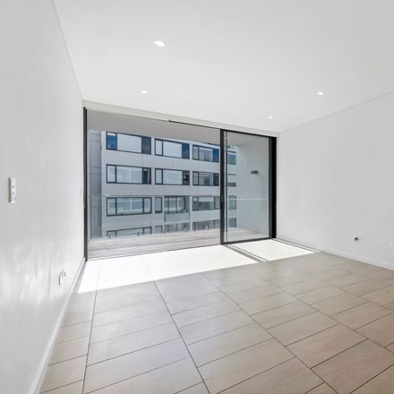 Rent this 2 bed apartment on 105B/12 Barr Street