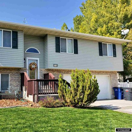 Rent this 4 bed house on Riverton