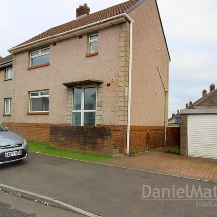 Rent this 3 bed house on The Crescent in Bridgend CF31 1TU, United Kingdom