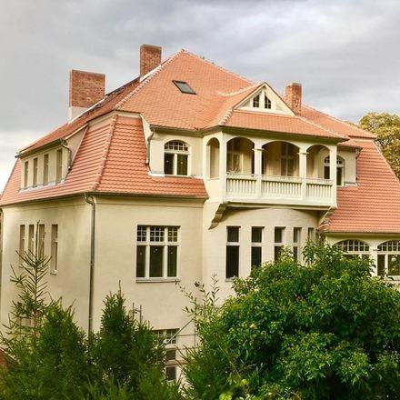 Rent this 7 bed apartment on Jahnstraße in 06618 Naumburg (Saale), Germany