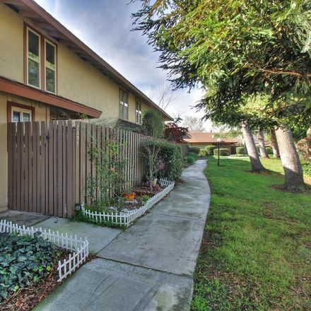 Rent this 3 bed townhouse on 209 Red Oak Drive in Sunnyvale, CA 94086