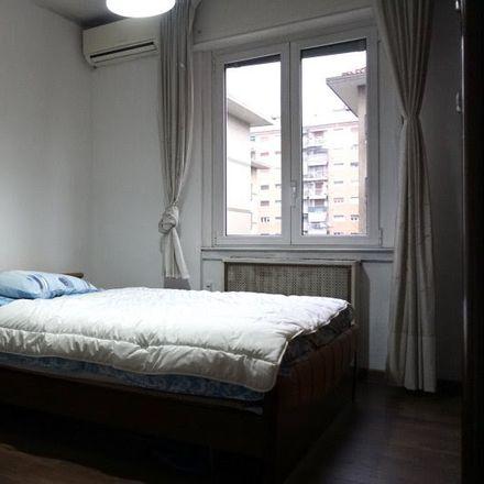 Rent this 4 bed room on Via Orbetello in 20132 Milano MI, Italia