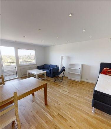 Rent this 2 bed apartment on 18230 Danderyds kommun