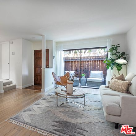 Rent this 2 bed condo on 360 South Barrington Avenue in Los Angeles, CA 90049