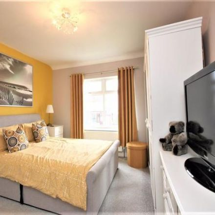 Rent this 3 bed house on Richmond Avenue in Hanley ST1 6DH, United Kingdom