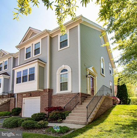 Rent this 3 bed townhouse on 13056 Cobble Ln in Clifton, VA