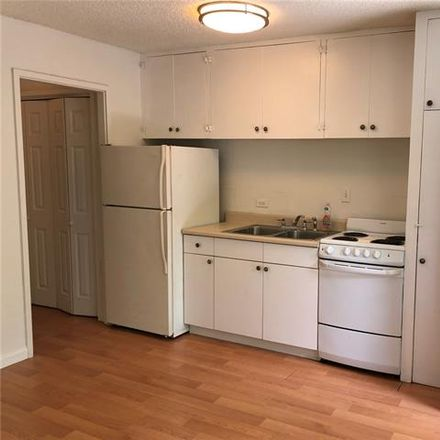 Rent this 1 bed apartment on Honolulu in HI, US