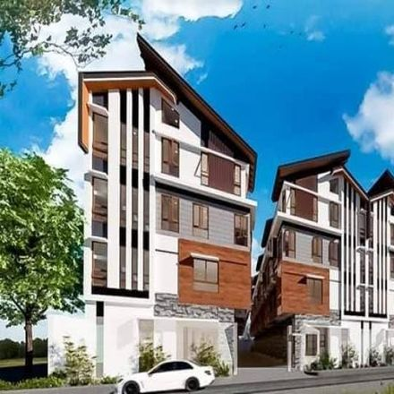 Rent this 4 bed townhouse on 8Hostel in Hidalgo Street, Manila
