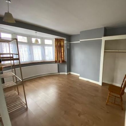 Rent this 3 bed house on North Drive in London TW3 1PP, United Kingdom