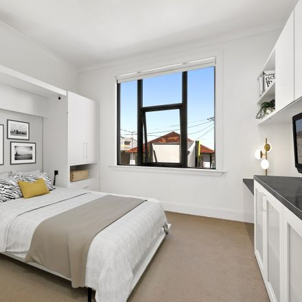 Rent this 1 bed apartment on 32b Fletcher Street