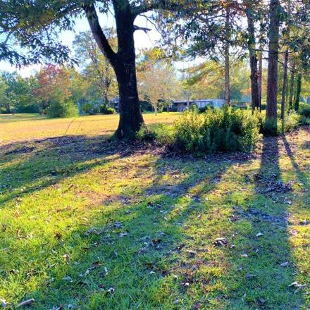 Rent this 3 bed house on Coe Rd in Kountze, TX