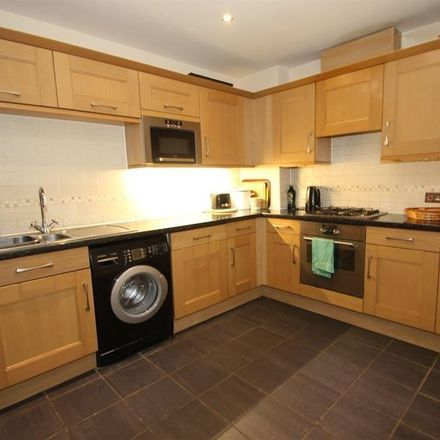 Rent this 5 bed apartment on 142 Tooting Bec Road in London SW17, United Kingdom