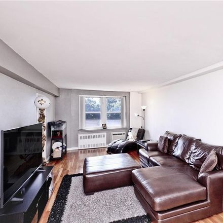 Rent this 2 bed condo on 440 Warburton Avenue in Yonkers, NY 10701