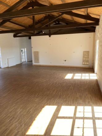 Rent this 3 bed loft on Bauerbahn 8 in 41462 Neuss, Germany