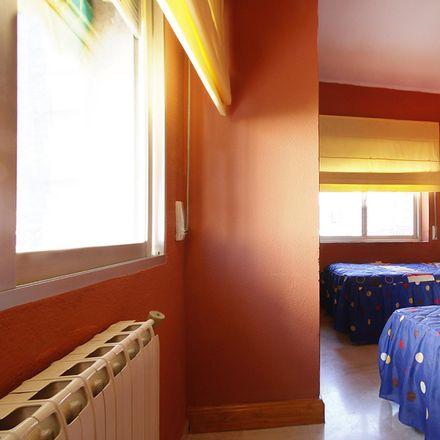 Rent this 6 bed room on Guardería Belén in Calle Jardín de Daraja, 18008 Granada
