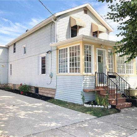 Rent this 3 bed house on 2825 Elmwood Avenue in Erie, PA 16508