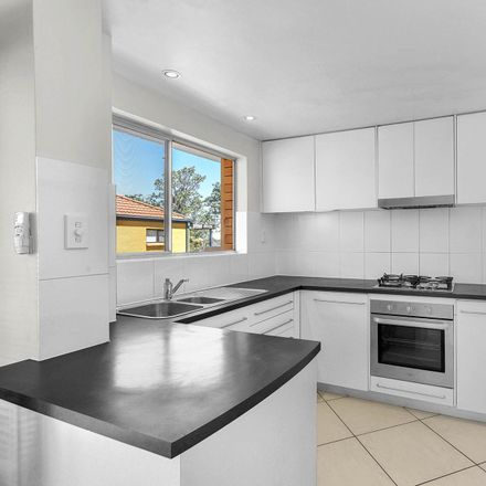 Rent this 2 bed apartment on Unit 6/191 Gladstone Rd