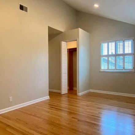 Rent this 3 bed house on 2594 Mabury Square in San Jose, CA 95133