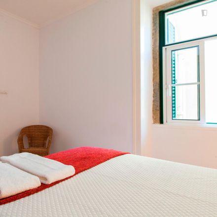 Rent this 5 bed apartment on Aruki Sushi Delivery in Travessa do Enviado de Inglaterra 14, 1100-297 Lisbon