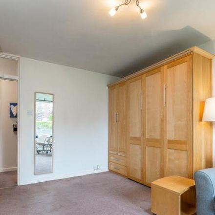 Rent this 1 bed apartment on Rowan House in Mespil Estate, Pembroke West C ED
