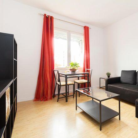 Rent this 2 bed apartment on Calle Comandante Benítez in 13-15, 28001 Madrid