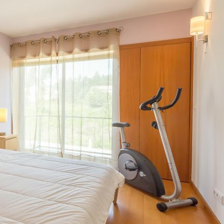 Rent this 3 bed room on Vereda Vilar de Baixo in 4475-506 Nogueira e Silva Escura, Portugal