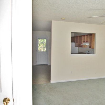 Rent this 2 bed townhouse on 354 Bracken Pl in Jacksonville, NC