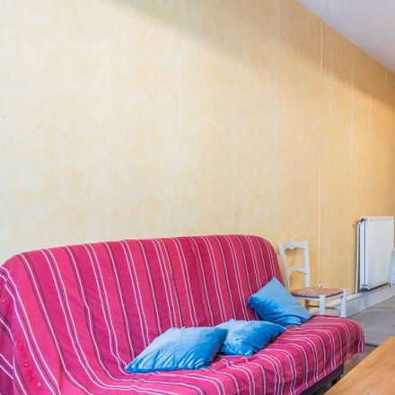 Rent this 2 bed apartment on Avenue Berthelot in Lyon, France