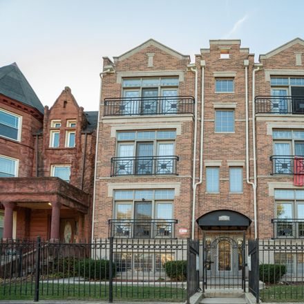 Rent this 4 bed condo on 4452 South Vincennes Avenue in Chicago, IL 60653