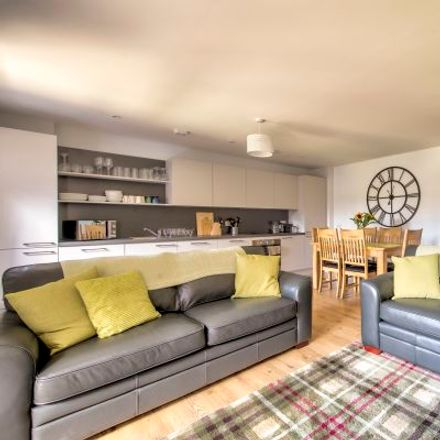 Rent this 3 bed apartment on Ropemaker Street in Edinburgh EH6 7AZ, United Kingdom