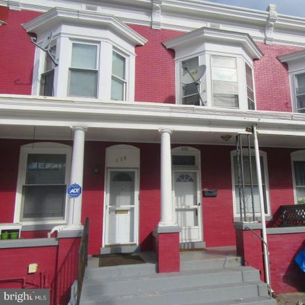 Rent this 3 bed townhouse on 630 Radnor Street in Harrisburg, PA 17110