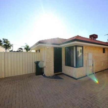 Rent this 3 bed townhouse on C/43 Birchley Square