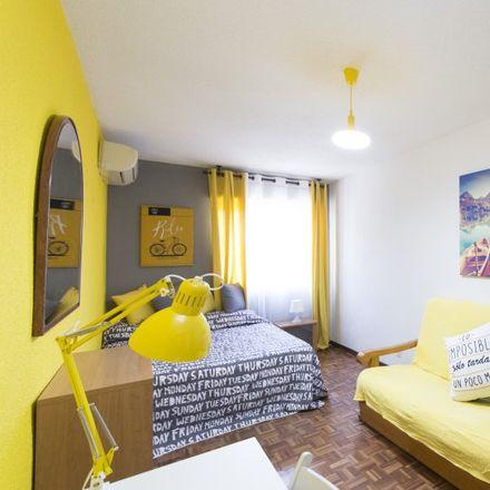 Rent this 5 bed apartment on Louisiana Rock Bar in Ronda de la Pescadería, 28801 Alcalá de Henares