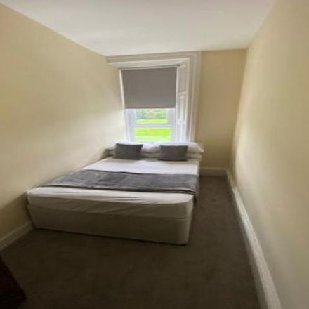 Rent this 4 bed apartment on 19 Royal Park Terrace in Edinburgh EH8 8JA, United Kingdom
