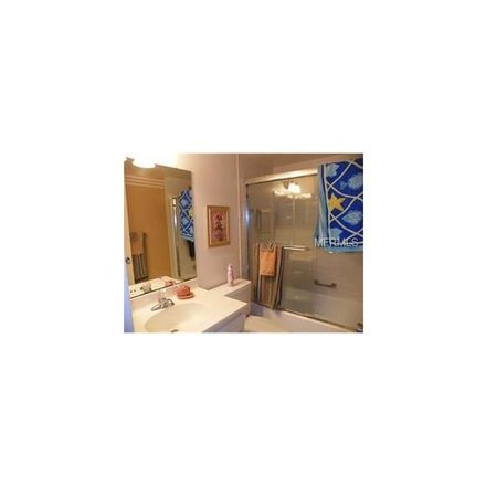 Rent this 2 bed condo on Glen Oaks Dr E in Sarasota, FL