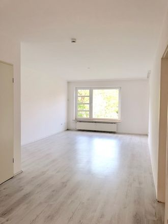 Rent this 3 bed apartment on Heidbergstraße 51 in 22846 Norderstedt, Germany