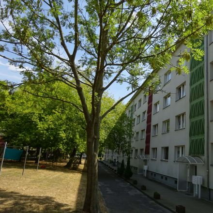 Rent this 3 bed apartment on Ziolkowskistraße 30 in 06217 Merseburg, Germany
