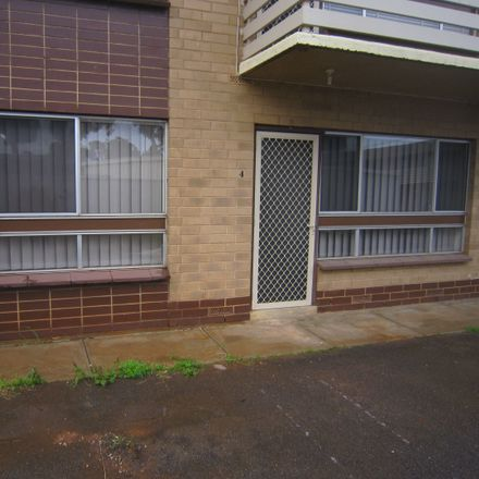 Rent this 2 bed apartment on 4/34 Salisbury Highway
