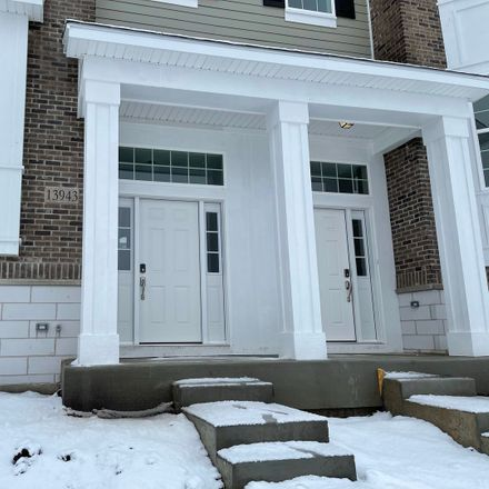 Rent this 3 bed townhouse on S Glen Dr E in Goodings Grove, IL