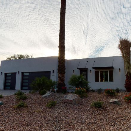 Rent this 3 bed house on 2228 North 37th Place in Phoenix, AZ 85008